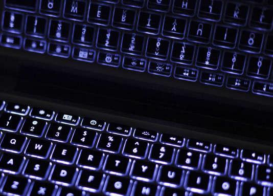 Un clavier rétroéclairé.