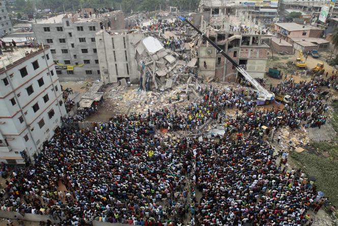 Le 24 avril 2013 à Dacca, au Bangladesh, l'effondrement de l'immeuble Rana Plaza, qui abritait plusieurs ateliers de confection textile, a fait 1 137 morts.