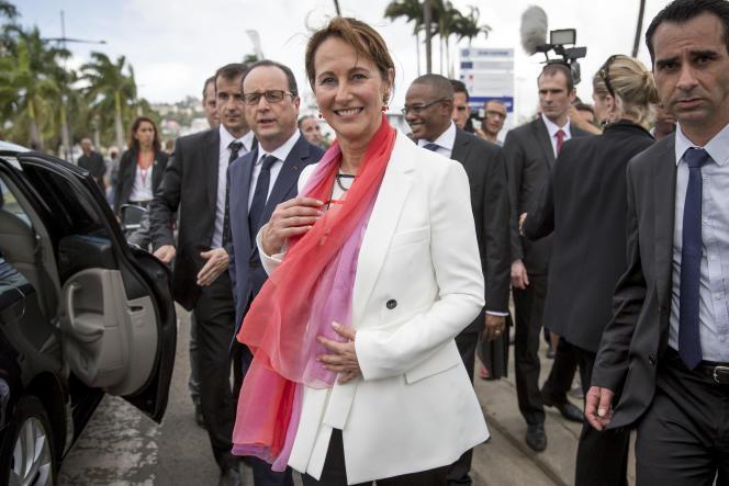 Ségolène Royal avant le sommet Caraïbes Climat 2015. Place de la Savane à Fort-de-France, Martinique, samedi 10 mai 2015 .