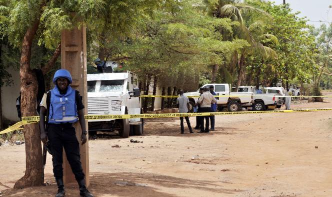 Un casque bleu à Bamako, au Mali, le 20 mai.