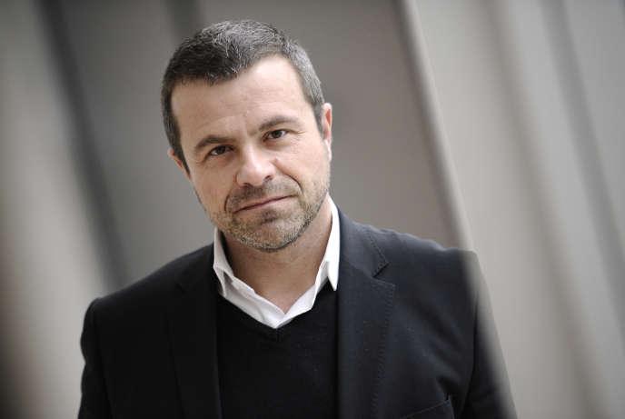 Thierry Thuillier, directeur de l'information de France Télévisions et directeur de France 2, rejoint Canal + pour la direction des sports.    AFP PHOTO LIONEL BONAVENTURE