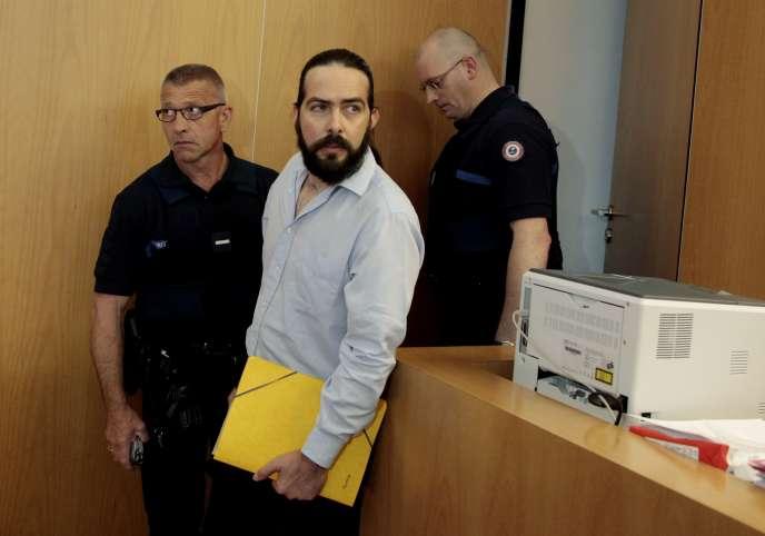 Sylvain Jouanneau est jugé pour enlèvement et séquestration de mineur après la disparition de son fils, Mathis, en 2011.