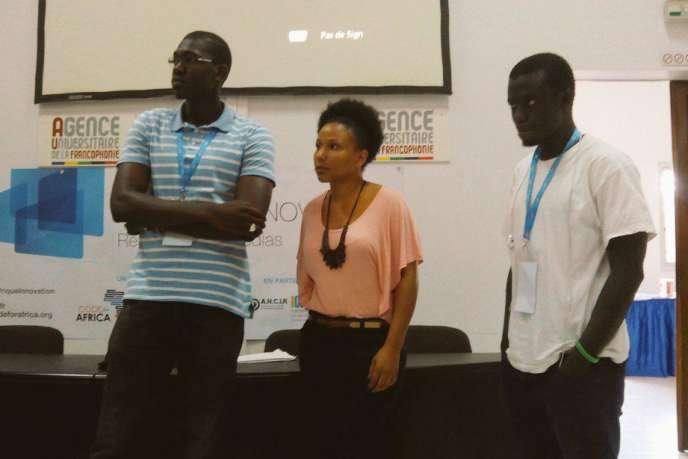 Amadou, Christine et Aliou, les vainqueurs du hackathon de Dakar, qui s'est tenu du 22 au 24 mai 2015.
