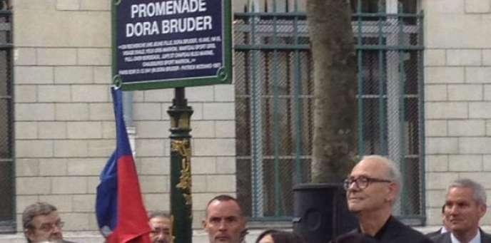 Patrick Modiano à l'inauguration de la promenade Dora Bruder, le 1er juin.