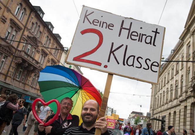 A Karlsruhe, le 30mai. Sur la pancarte : «Pas de mariage de seconde classe».