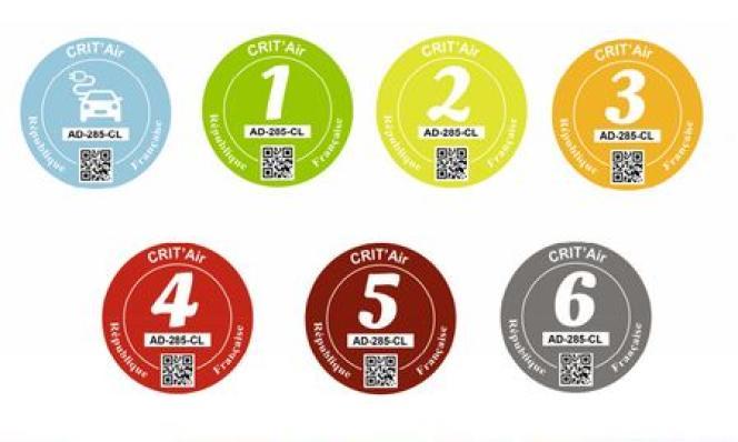 Six couleurs, du vert au gris pour les voitures des moins aux plus polluantes, et le bleu réservé aux véhicules électriques.