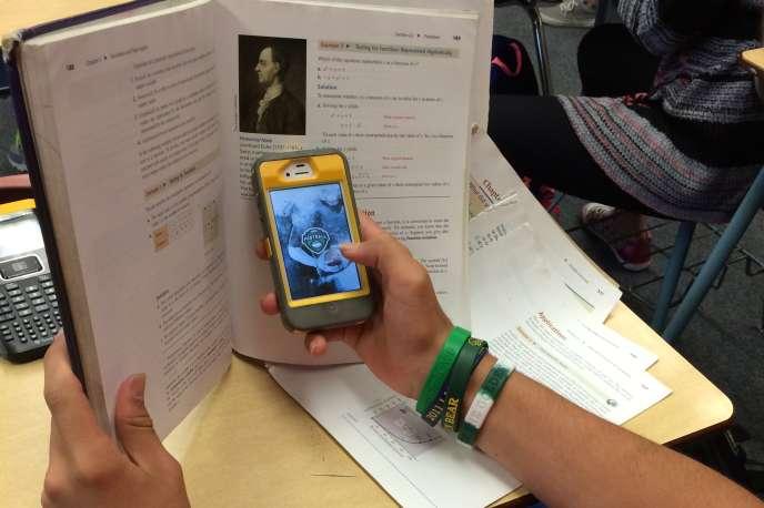 Sur l'application Gossip, les élèves s'invectivent et postent des ragots.