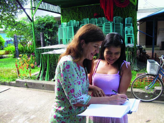Engagée chez Médecins du monde depuis 2002, cette radiologue spécialiste du sida a travaillé en Birmanie dans un centre de soins pour prostituées, en 2011.