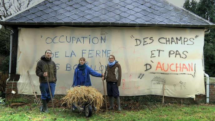 Les petites fermes disparaissent peu à peu en France, au profit de grandes exploitations.