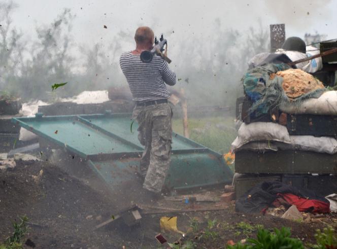 Un combattant ukrainien près de Donetsk, le 30 mai.