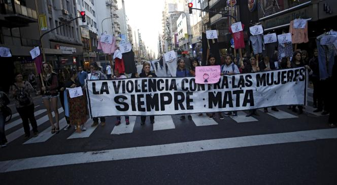 Manifestation contre les violences faites aux femmes à Buenos Aires, mercredi 3 juin.