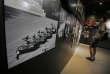 Photographie prise au« Memorial Museum du 4 juin » à Hong Kong le jeudi 4 juin 2015. Elle montre « Tank Man» bloquant une ligne de chars chinois lors des manifestations démocratiques de 1989 à Pékin.
