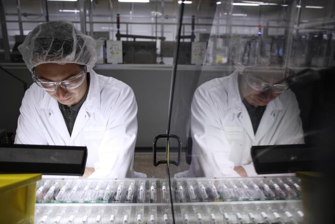 Une usine Sanofi-Pasteur produisant des vaccins, à Val-de-Reuil (Eure) en 2012.