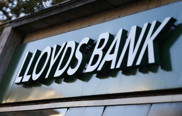 Lloyds avait rejeté plus d'un tiers des plaintes relatives aux 2,3 millions de contrats PPI, explique la FCA.