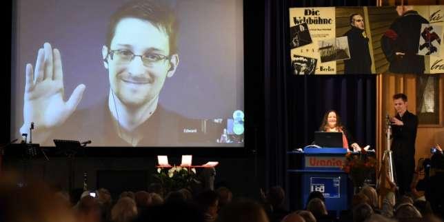 Le lanceur d'alerte Edward Snowden racontera son histoire dans un livre