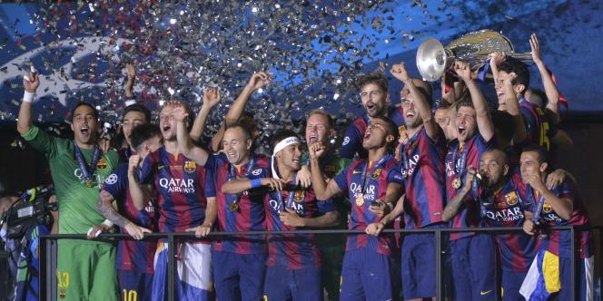 L'équipe du FC Barcelone soulève sa cinquième Ligue des champions, samedi 6 juin au Stade olympique de Berlin.
