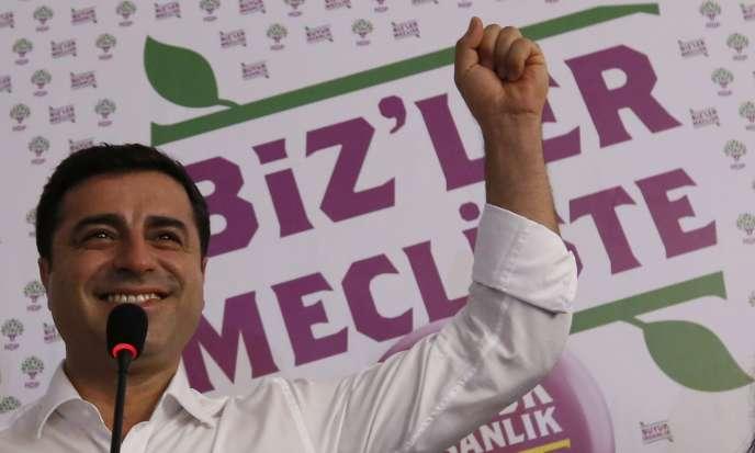 Selahattin Demirtas, ancien candidat à la présidentielle duParti démocratique des peuples (HDP), prokurde, à Istanbul, en Turquie, le 7 juin 2015.