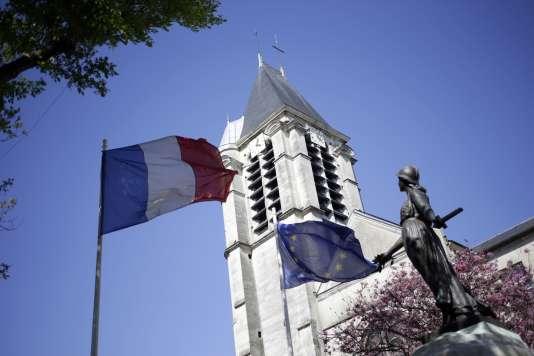 Arrêté le 19 avril alors qu'il venait d'appeler le Samu pour des blessures par balle, Ghlam est soupçonné d'avoir tué une professeure de fitness de 32 ans, Aurélie Châtelain, et d'avoir voulu attaquer une église à Villejuif.