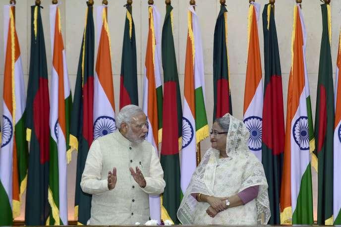 Le premier ministre indien Narendra Modi et son homologue bangladeshi Sheikh Hasina, le 8 juin 2015