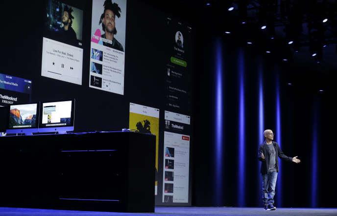 Lors du lancement de la plateforme de téléchargement de musique d'Apple à San Francisco le 8 juin 2015.