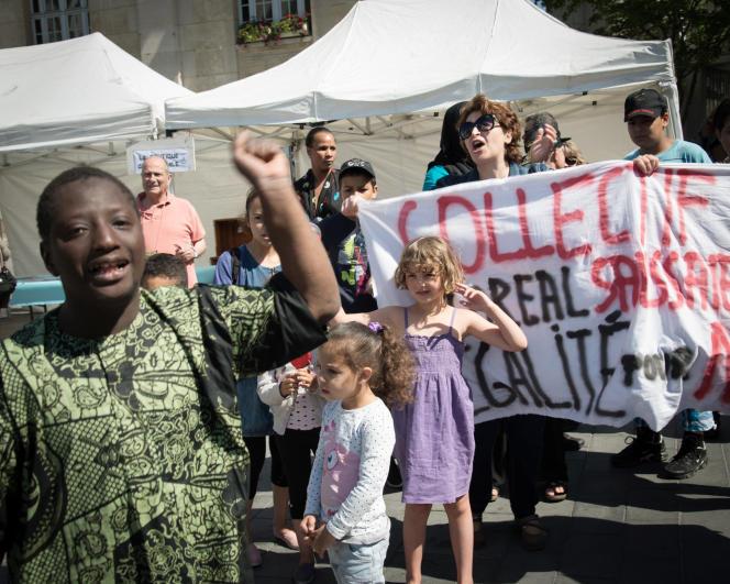 Manifestation de parents d'élèves, le 6 juin à Saint-Denis.