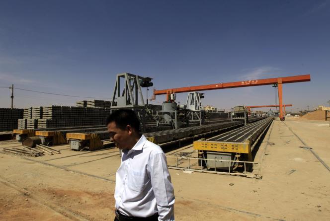 Un employé chinois de Shanghai Hui Bo Investment Co (SHIC), en février 2013 à Khartoum.