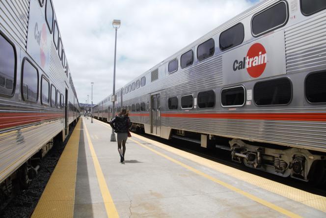 Sur les onze élèves de Palo Alto qui ont mis fin à leurs jours, neuf l'ont fait en se jetant sous le Caltrain, le train qui coupe à travers la Silicon Valley.