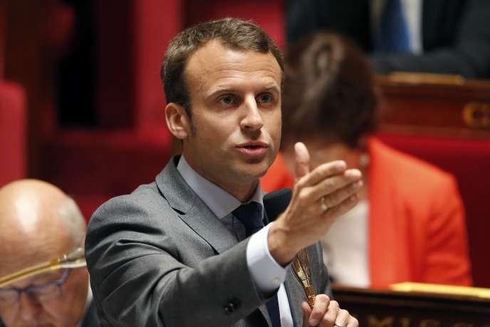 Le ministre de l'économie Emmanuel Macron à l'Assemblée le 9 juin.