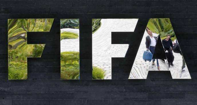 Après le congé maternité des joueuses, les clubs devront les «réintégrer et leur fournir un soutien médical et physique approprié», a précisé Emilio Garcia, le directeur juridique de la FIFA.
