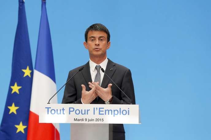 Manuel Valls présente ses mesures pour les TPE et PME, le 9 juin, à l'Elysée.