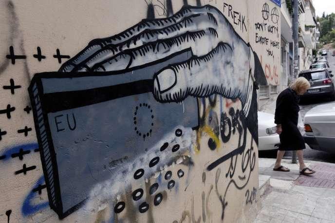 Un graffiti à Athènes, Grèce, le 8 juin 2015.