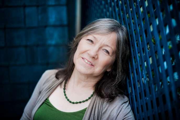 Discrète, l'Américaine Robin Hobb (photo) est pourtant l'un des grands auteurs de fantastique à destination des jeunes lecteurs. Rencontre parisienne.