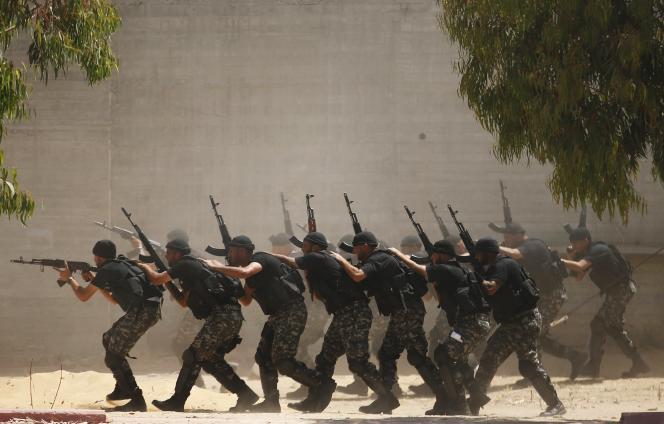 Des membres des forces de sécurité à l'entraînement, à Gaza, le 11 juin 2015.          TPX IMAGES OF THE DAY
