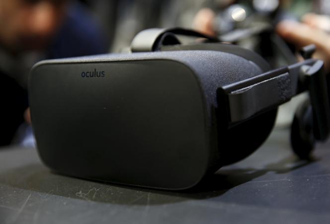 Le casque de réalité virtuelle Oculus Rift sera commercialisé au grand public début 2016.