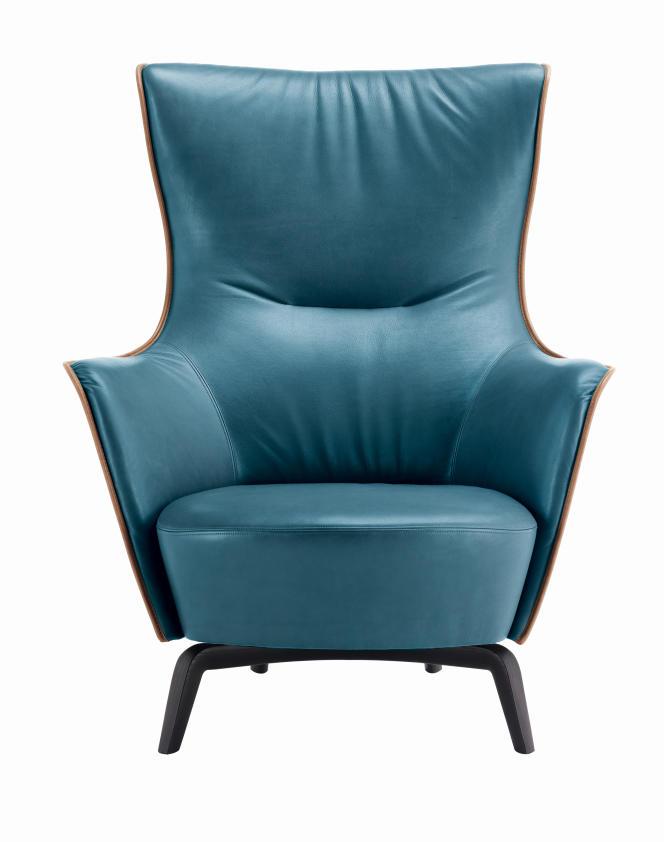 Bergère Mamy Blue couleur pacifique, par Roberto Lazzeroni pour Poltrona Frau