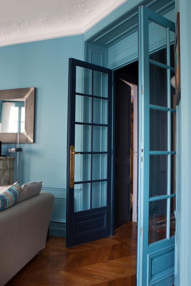 Appartement haussmannien en bleu céruléen, collection Etats d'esprit de Tollens.