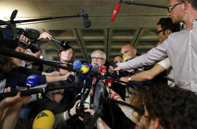 Les trois avocats de Dominique Strauss-Kahn devant les journalistes à l'issue du procès.