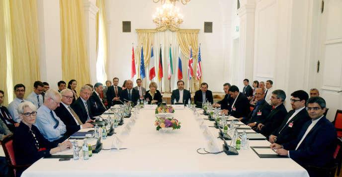 Les délégués à la table des négociations sur le nucléaire iranien à Vienne, le 12 juin 2015.