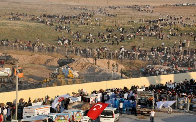 Plus de 3 000 réfugiés syriens s'étaient massés à la frontière turque.