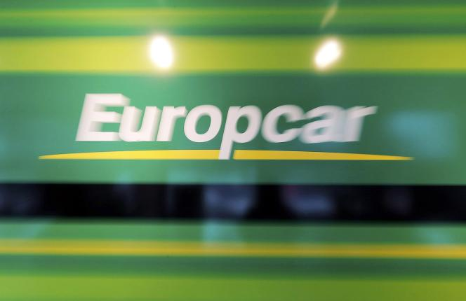Eurazeo a introduit vendredi 26 juin en Bourse plus de 50 % d'actions de la société pour un montant de 404 millions d'euros