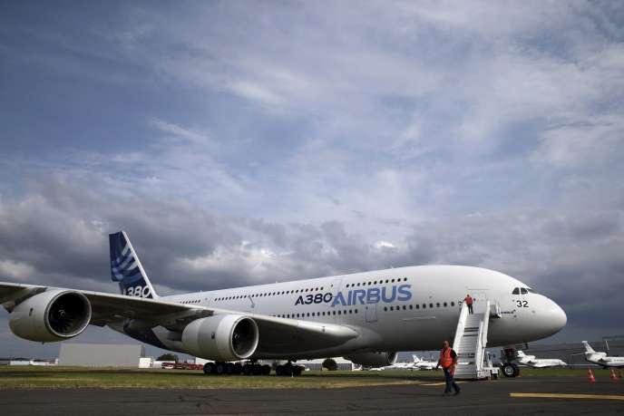 Un Airbus A380 à l'aéroport du Bourget en juin 2015.