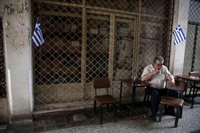 Au 30 juin, la Grèce doit rembourser 1,6 milliard d'euros au FMI, mais risque de ne pas en avoir les moyens, si elle n'obtient pas le versement des 7,2 milliards d'euros restant à lui verser dans le cadre du deuxième plan d'aide au pays.