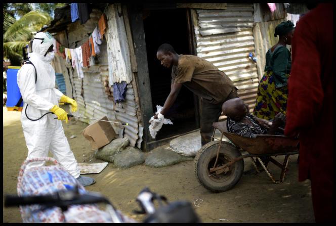 Dans le quartier de Mandingo, à proximité du 13e District, à Monrovia (Liberia), le 26 septembre 2014.