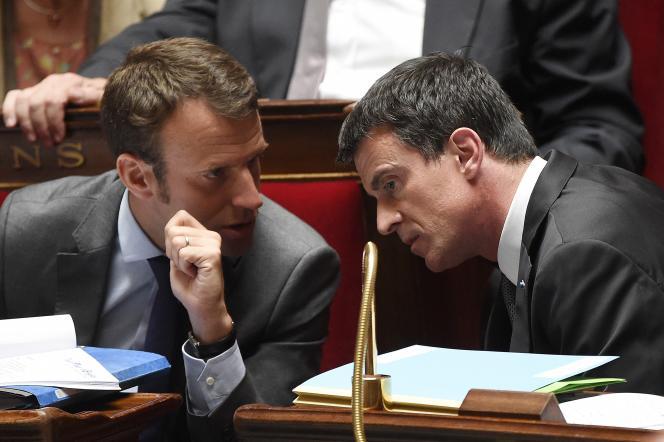 Emmanuel Macron et Manuel Valls à l'Assemblée nationale le 9 juin 2015.