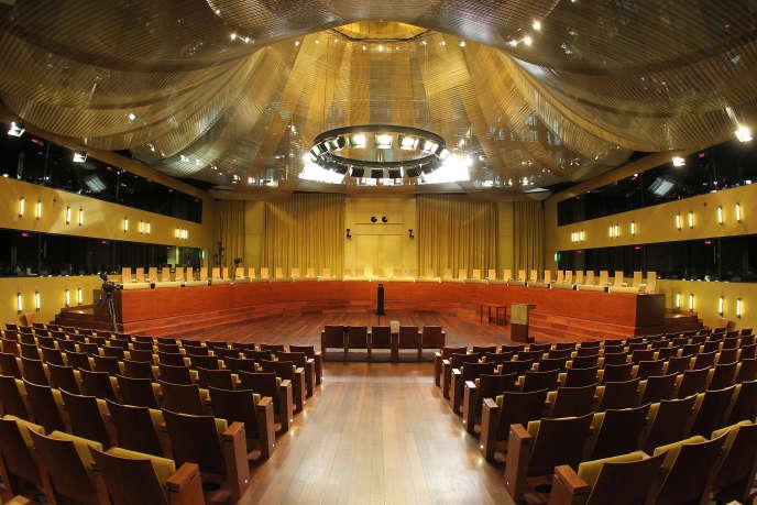 La salle d'audience de la CJUE. La Cour de Justice est de plus en plus confrontée aux sujets de société comme le statut de l'embryon, les droits des internautes...