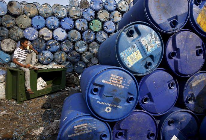 Dans un centre de recyclage de Calcutta, en mai 2015. L'économie circulaire vise à réutiliser des déchets ou matériaux déjà utilisés pour créer du neuf.