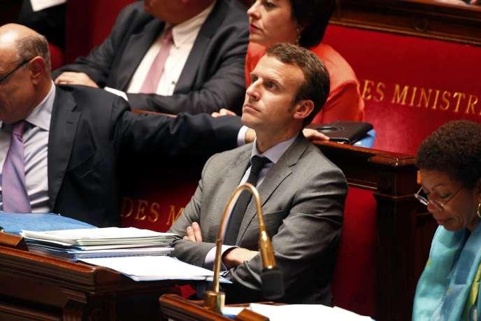 Emmanuel Macron à l'Assemblée, mardi 16 juin 2015.