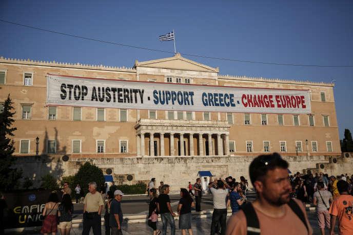 La commission parlementaire grecque veut donner au gouvernement