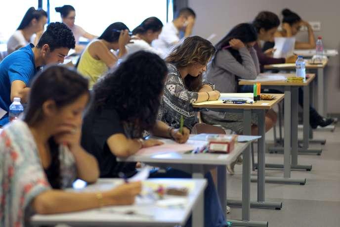 Des lycéens passent une épreuve du baccalauréat, mercredi 17 juin à Marseille.