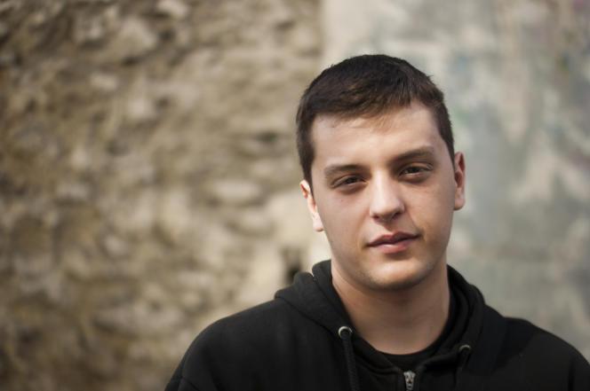 Tommy, le premier sorti de l'épreuve de philosophie, au lycée Auguste-Blanqui, àSaint-Ouen (Seine-Saint-Denis).